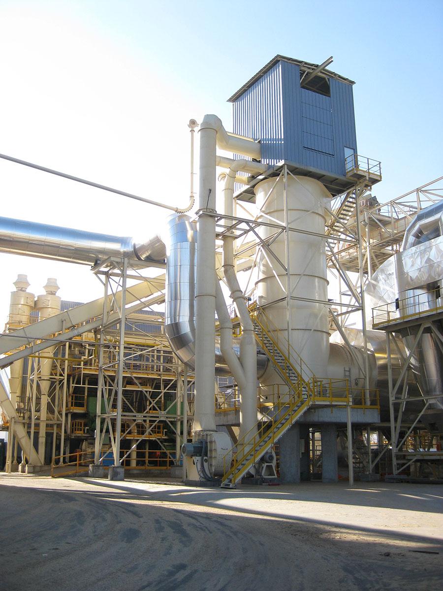 Cámara de combustión vertical con aprovechamiento de gases calientes